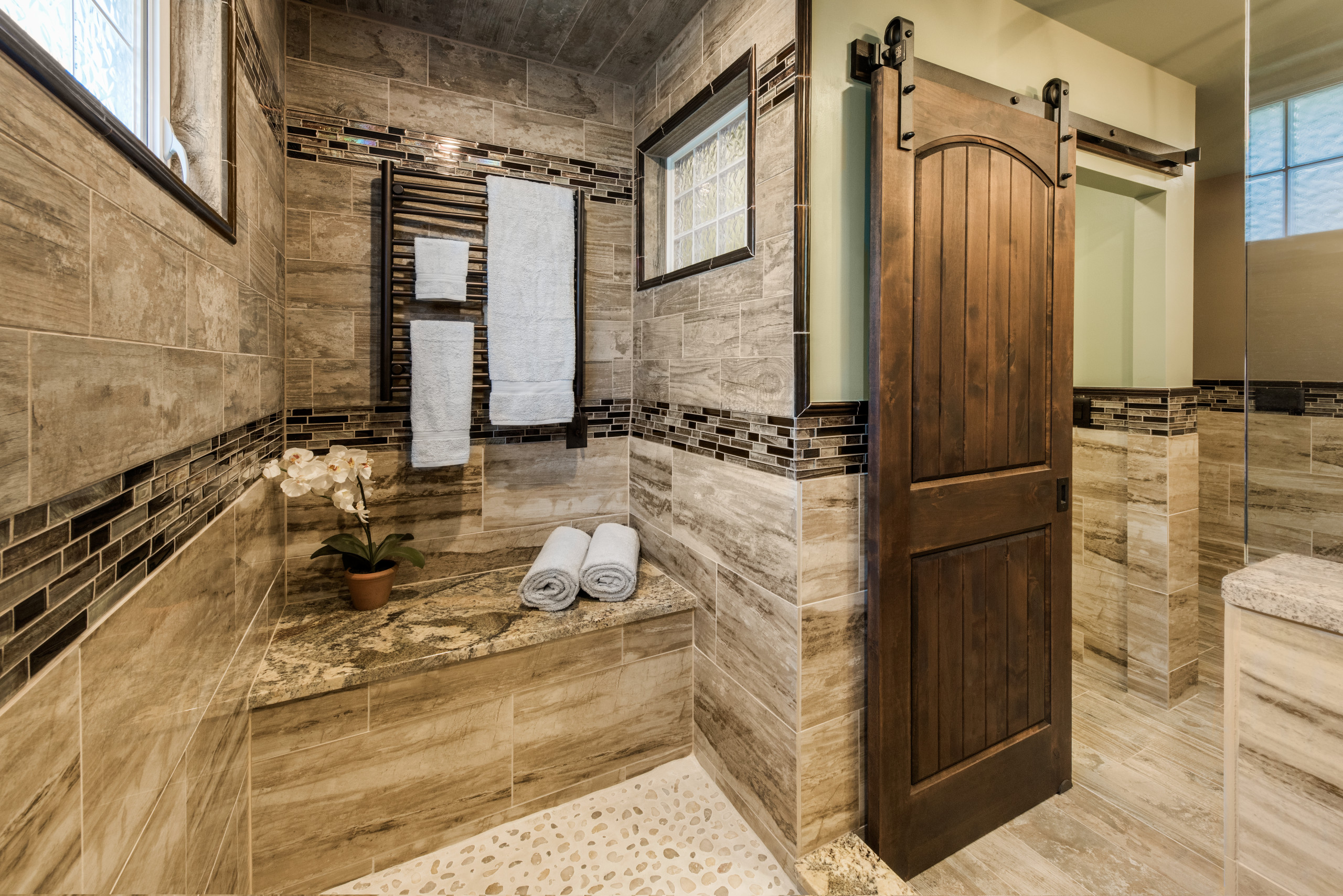 75 Beautiful Brown Tile Bathroom With Green Walls Pictures Ideas February 2021 Houzz