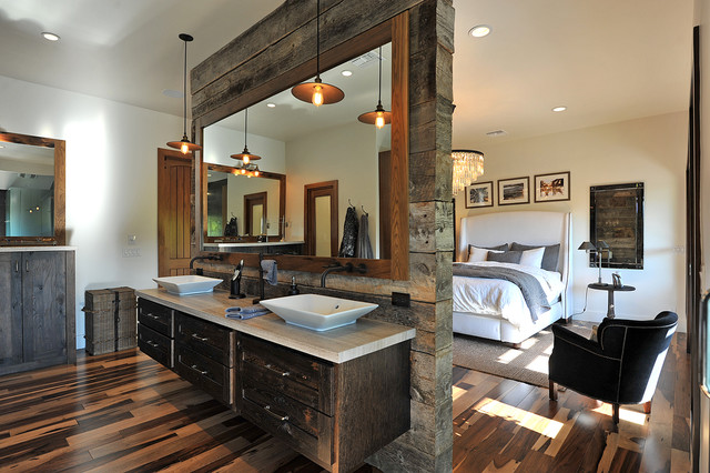 4 Poster Bed Master Bedroom Rustic