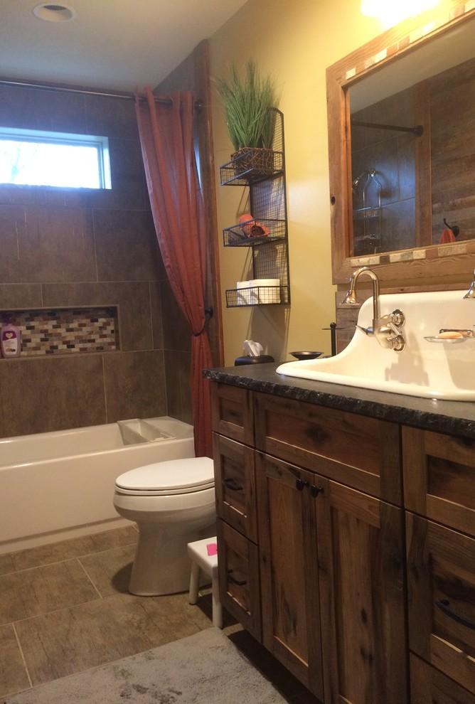 Rustic Kids Bathroom - Farmhouse - Bathroom - Kansas City ...