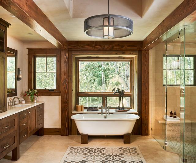 Holz im Badezimmer Decken Boden Verkleidungen freistehende Wanne