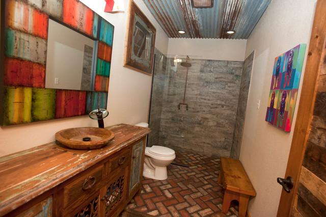 Rustic Modern New Construction - Rustikal - Badezimmer ...