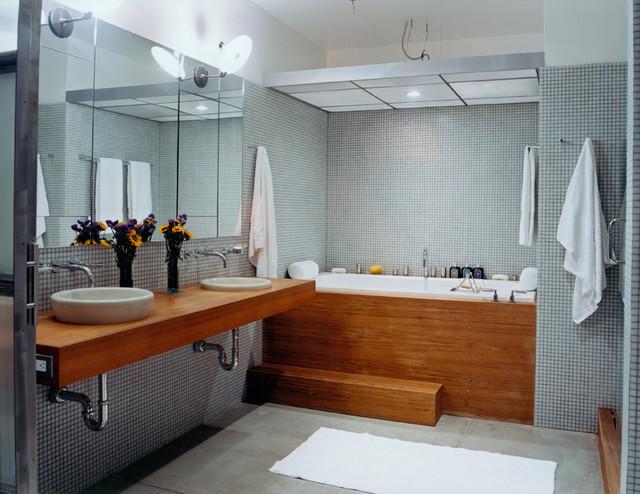 S.F. Downtown Loft modern-bathroom