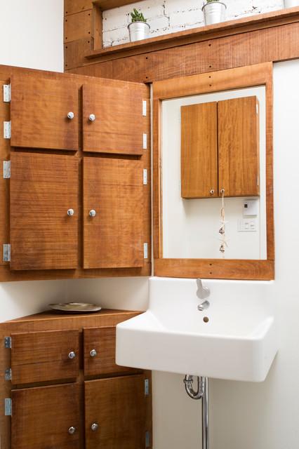 Salle de bain de bois exotique for Salle de bain en bois exotique