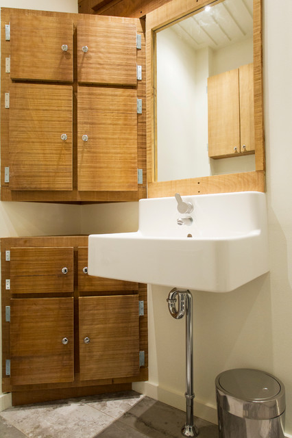 salle de bain de bois exotique contemporary bathroom montreal by realtor montr al. Black Bedroom Furniture Sets. Home Design Ideas