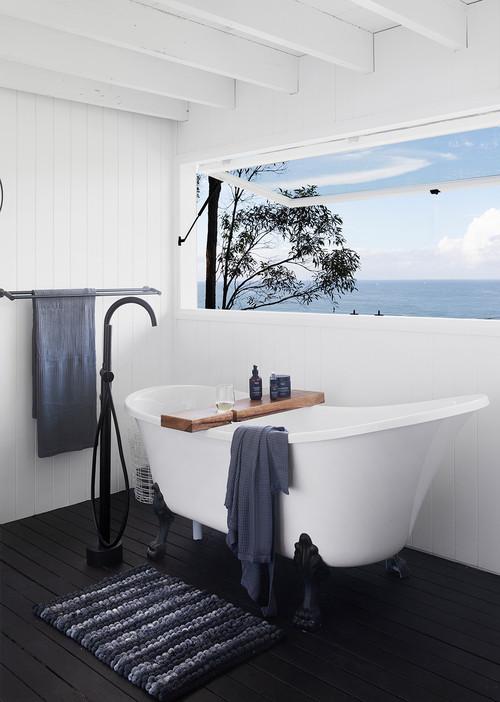 black and white coastal bathroom ideas