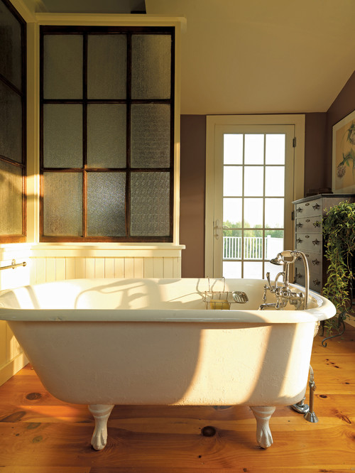 Traditional Bathroom with a clawfoot tub.