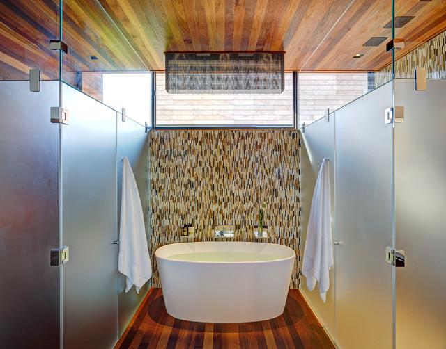 Sam's Creek contemporary-bathroom