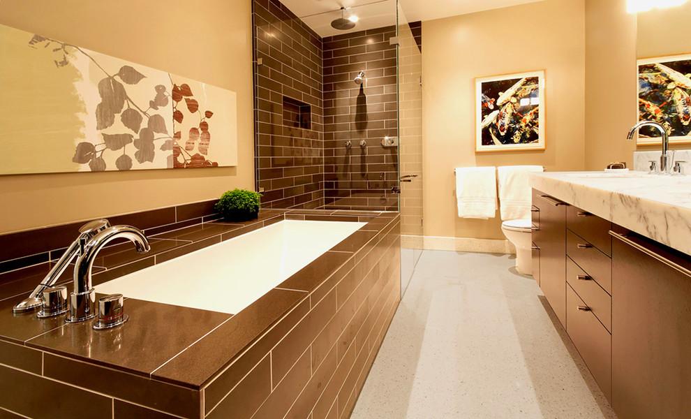 Example of a trendy subway tile bathroom design in San Francisco