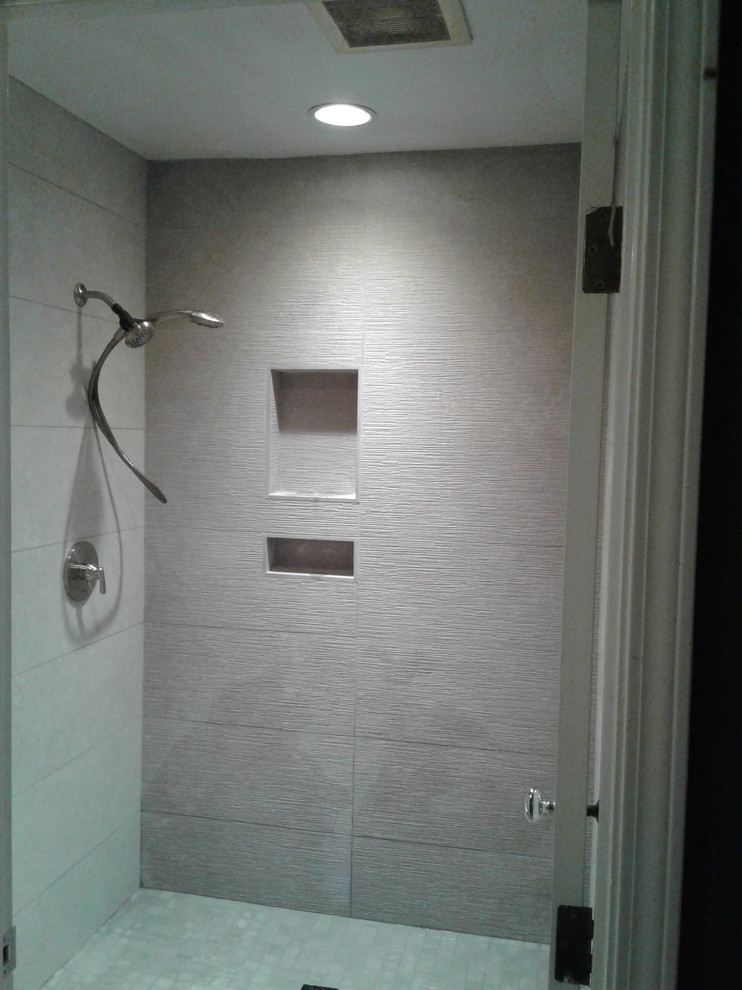 San Jose Evergreen Bathroom