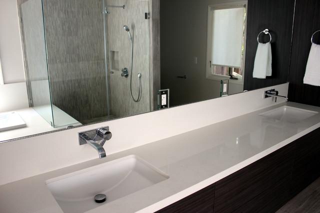 San Marino Ultra Contemporary contemporary-bathroom