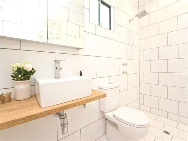 Sanderling Ensuite Renovation contemporary-bathroom