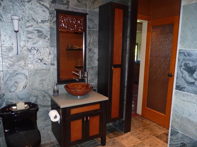 Sandra Strandebo modern-bathroom