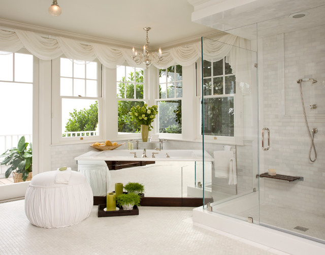 Santa barbara dutch colonial beach style bathroom for Dutch colonial interior design