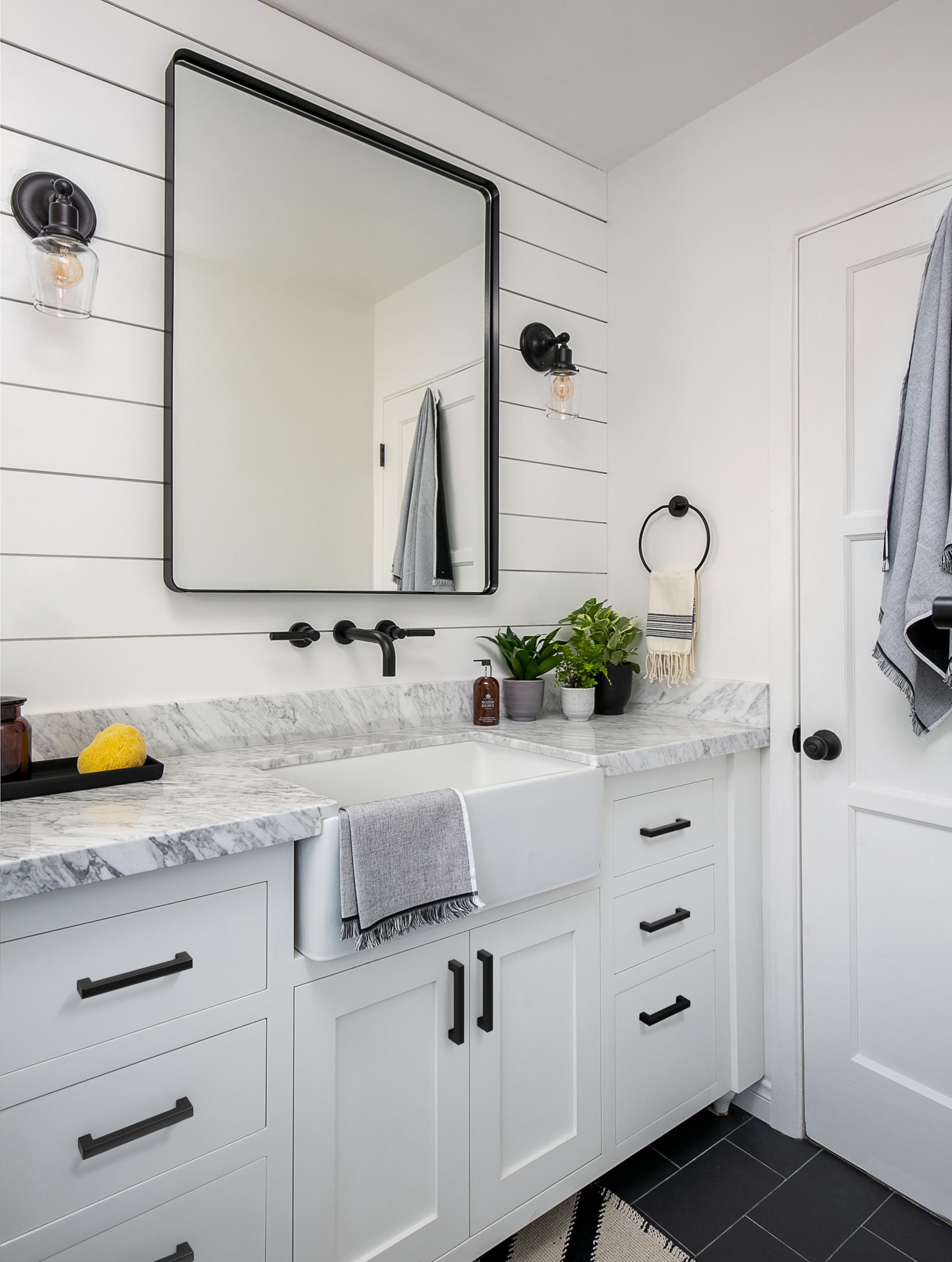 Beautiful Small Farmhouse Bathroom, Modern Farmhouse Bathroom Remodel Ideas