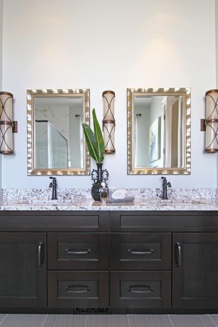 Saskatoon New Build Matlock Traditional Bathroom