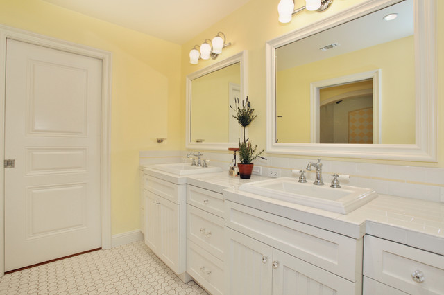 Savvy Interiors traditional bathroom