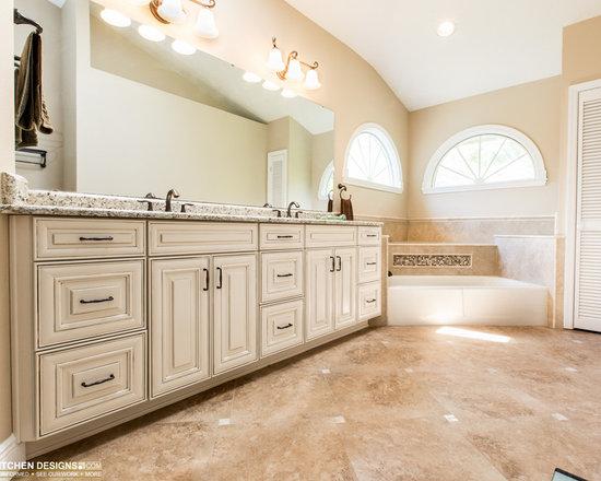 Corner molding trim bathroom design ideas pictures for Brookwood kitchen cabinets