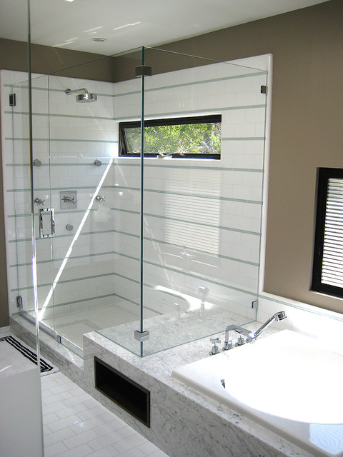 Seamless Integration contemporary-bathroom