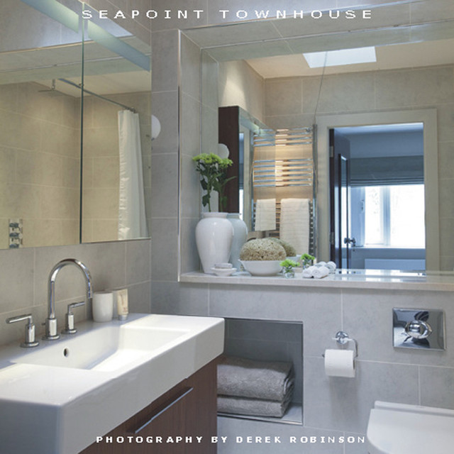 Seapoint townhouse wall morris design bathroom for Townhouse bathroom designs