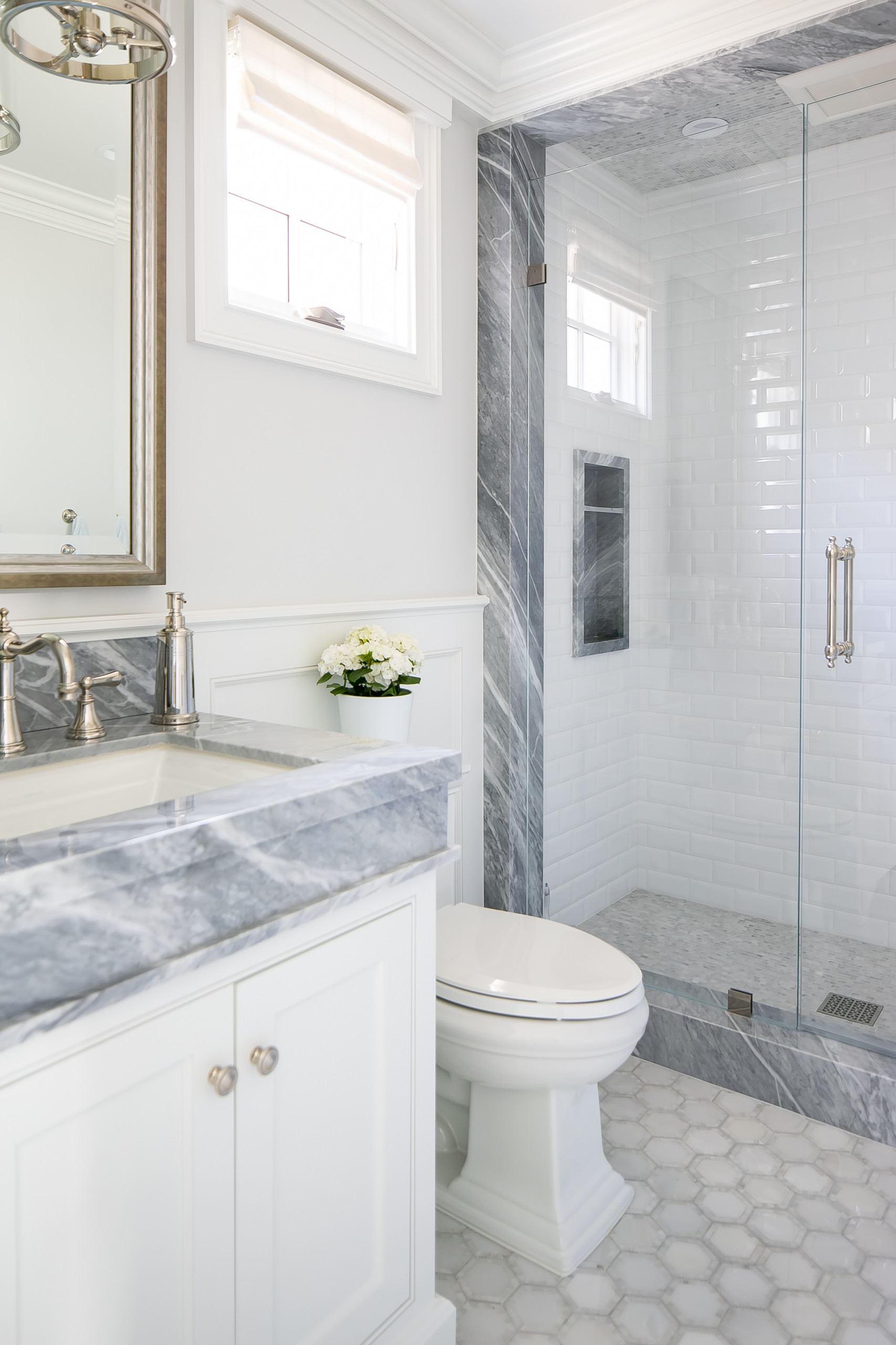 75 Beautiful Wainscoting Bathroom Pictures Ideas April 2021 Houzz