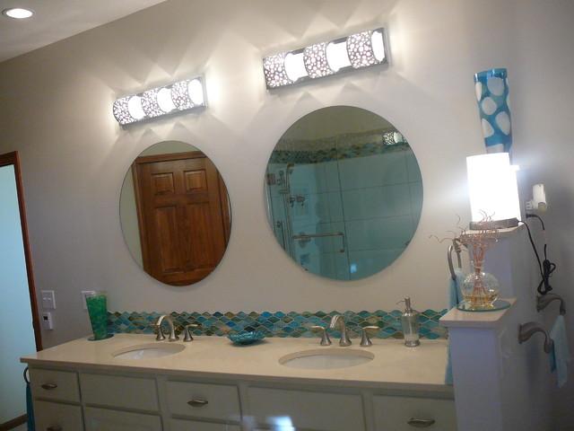 Seaside master bath tropical-bathroom