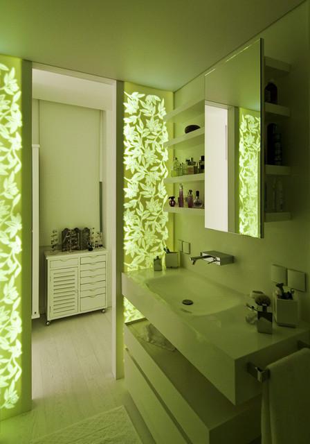 Selenium Panorama contemporary-bathroom