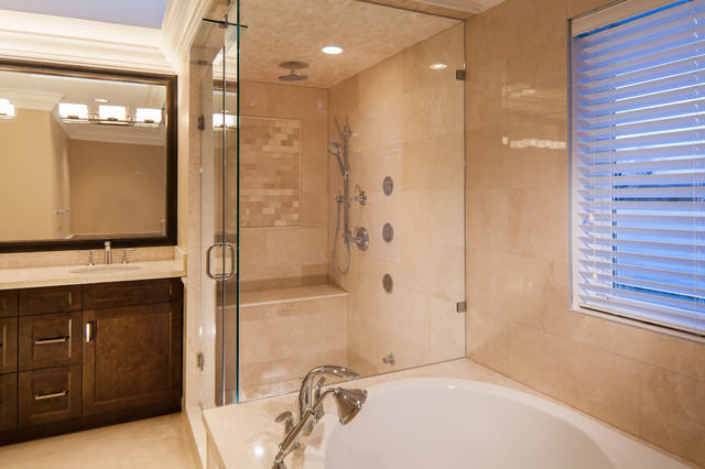 Service Residence transitional-bathroom