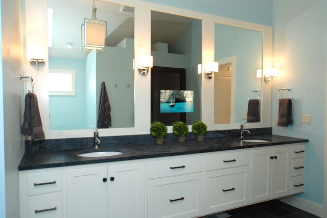 Séura Vanishing Vanity TV Mirror Contemporary Bathroom