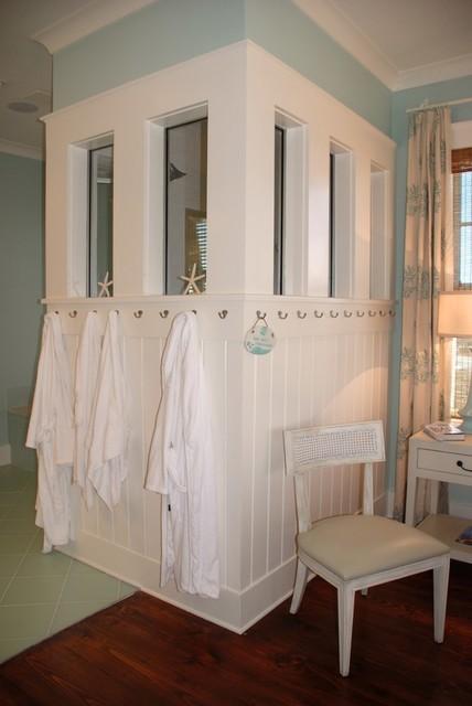 SG House traditional-bathroom