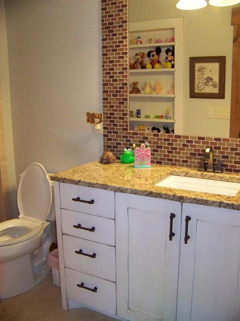 Shelly Gustin bathroom