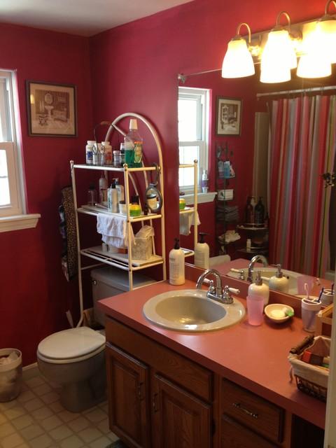 Shenandoah Solana Bathroom - Kinder traditional-bathroom