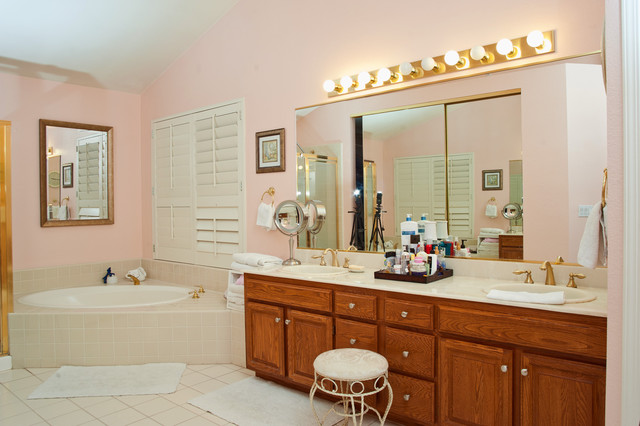 Sher traditional-bathroom