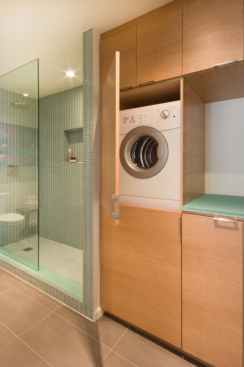 Bathroom storage 10 solutions for small spaces for Small bathroom designs with washing machine