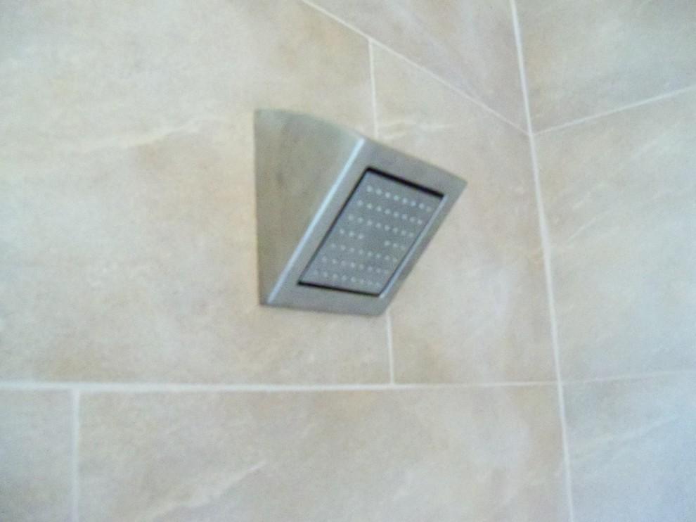 Example of a trendy bathroom design in Portland