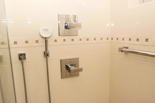 Shower And Faucet Controls In Ada Compliant Shower