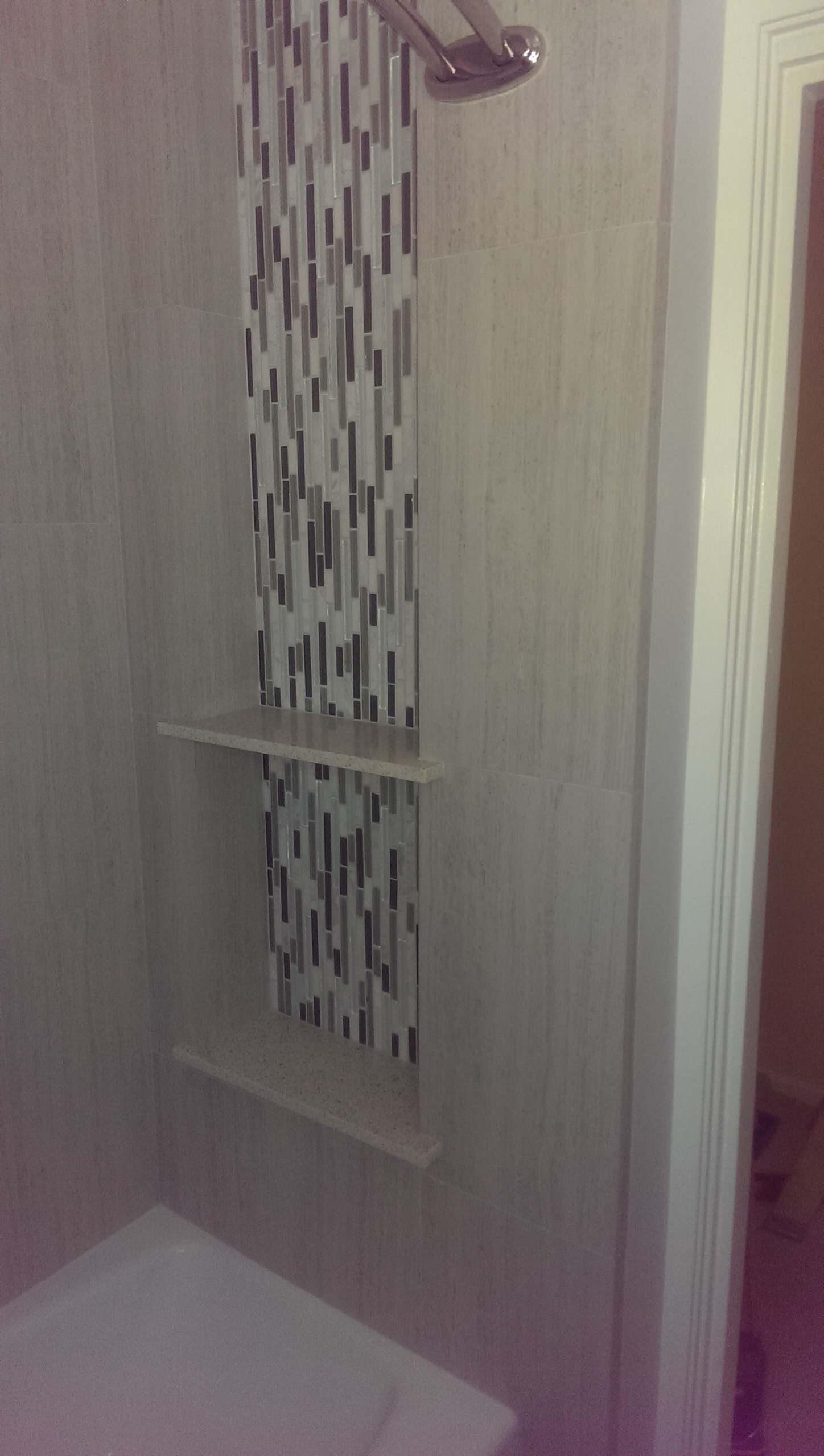 Shower niche & accent tile larger bath