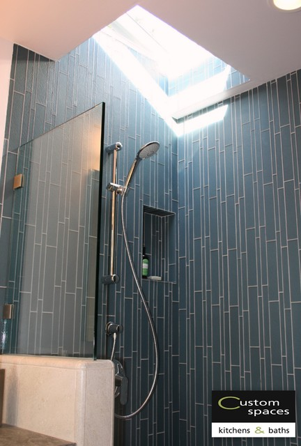 Shower Niche And Skylight Modern Bathroom San