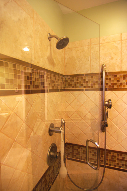 Shower Surrounded With Ceramic Florida Tile And Glass