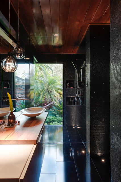 Shower with nature contemporary-bathroom