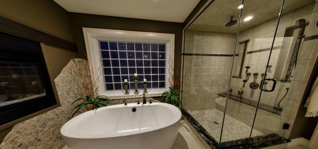 Showhome traditional-bathroom