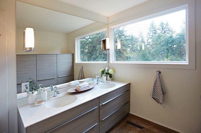 Shuttle residence contemporary-bathroom