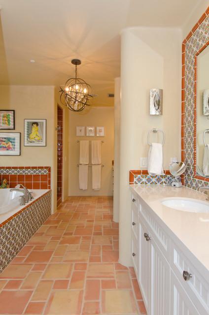 Silverleaf Home 10 southwestern-bathroom