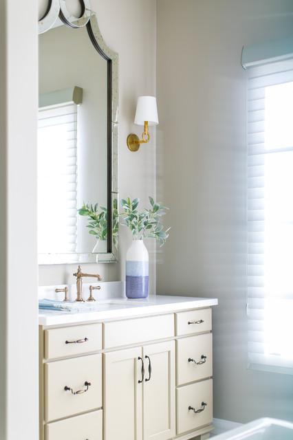 ... Custom Home - Bathroom - Phoenix - by Luster Custom Homes & Remodeling