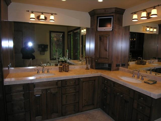 Silverthorne traditional-bathroom