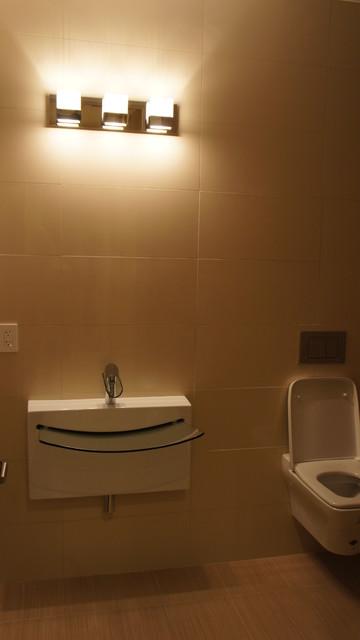 Simple luxury modern bathroom modern bathroom los for Modern simple bathrooms