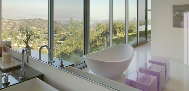 modern bathroom by Belzberg Architects
