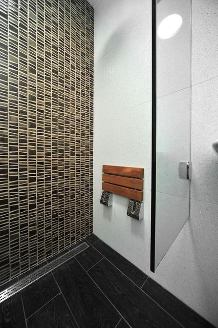 Sleek Contemporary Wet Room modern-bathroom
