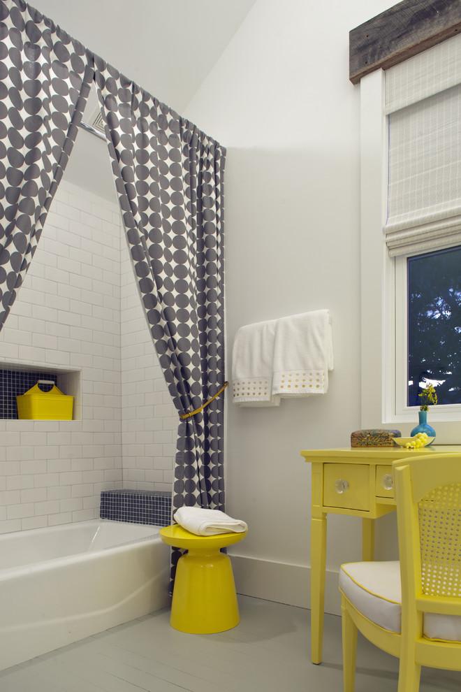 Inspiration for a coastal kids' subway tile bathroom remodel in Atlanta