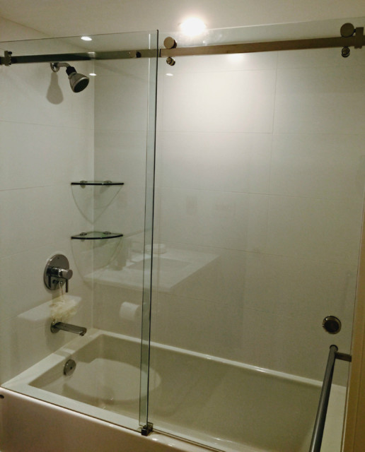 Sliding shower interior doors vancouver shower glass for Sliding glass doors vancouver