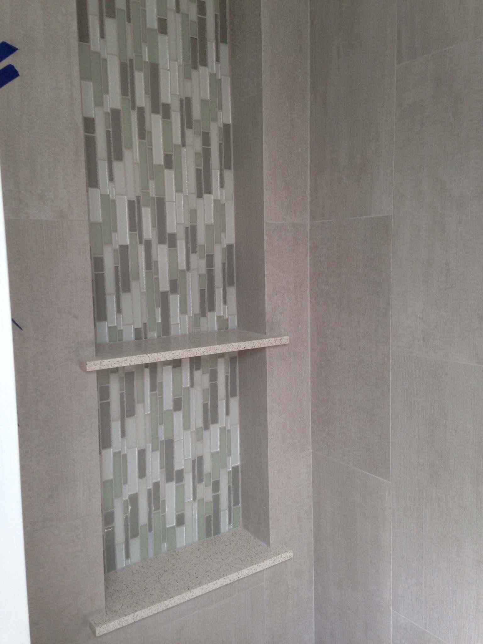 Small bath shower niche & wall